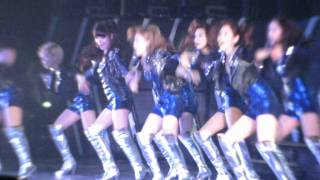 "[fancam] 120115 BAD GIRL behind the screen XD @ SNSD Girl""s Generation tour in Hong Kong"