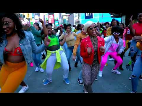 DJ Chip - NYC Dancers Shut Down Times Square For Beyoncé's #BeforeILetGoChallenge: