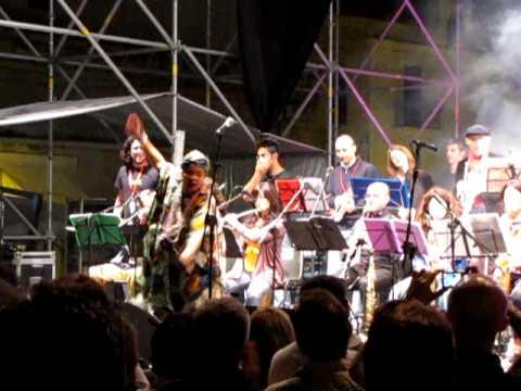 Improbabilband - Fela - con Ana Estrela - Bari in Jazz (23/06/2010)