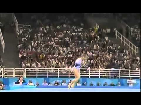 Courtney Kupets - Floor Exercise - 2004 Olympics Team Final