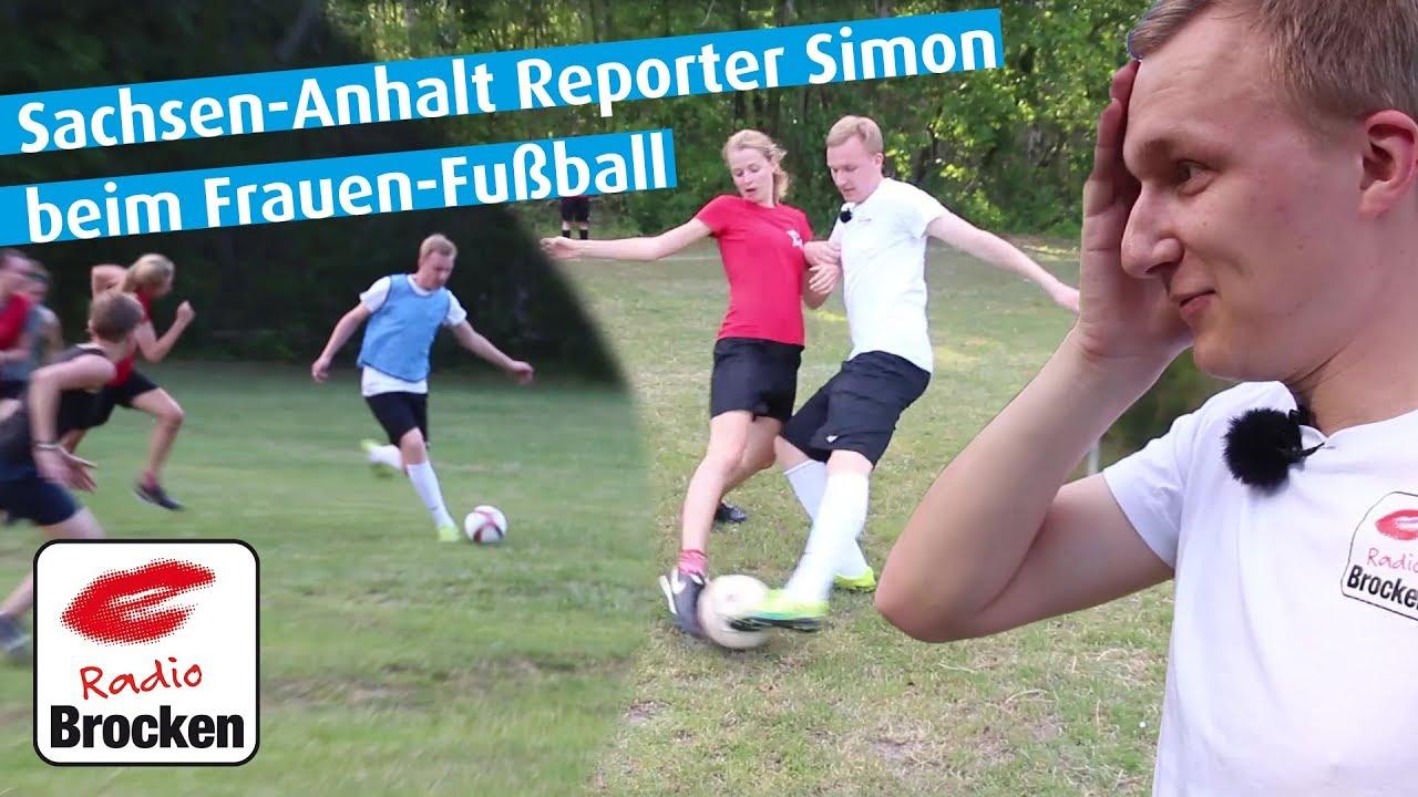 Reporter Simon Beim Frauen Fussball