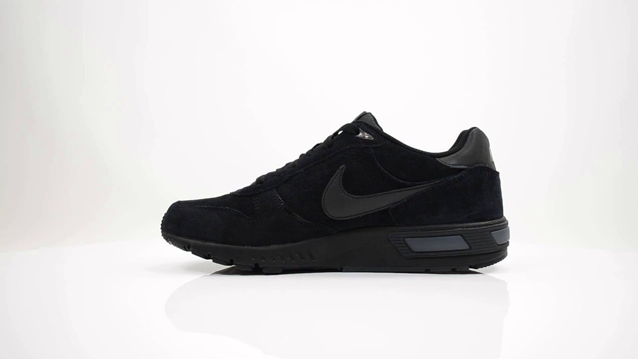 nike night gazer mens trainers black