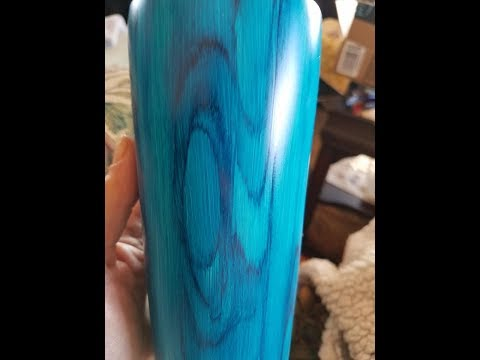 Tumbler Wood grain effect