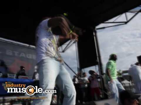 "Official Hot 97 Summer Jam 2010 Video ( Serani live "" I'M BLESSED/Play no games)"
