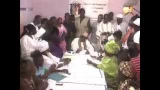 Se?jour Macky en gambie  un espoir de paix en casamance  Jt franc?ais du 18 avril 2012