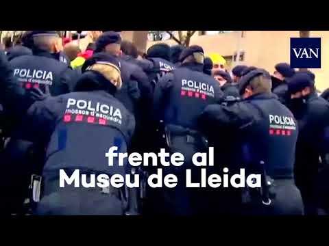 Cargas de los Mossos frente al Museu de Lleida