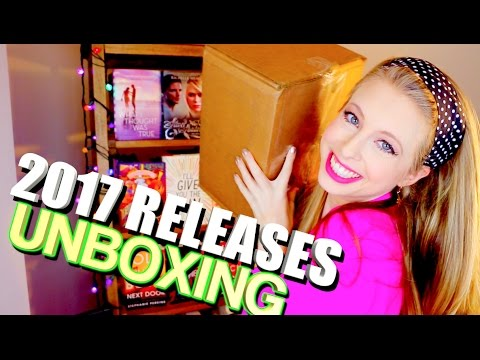 GIANT BOOK UNBOXING | 2017 RELEASES
