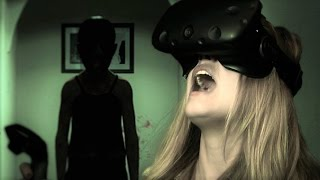 How Scary is the Paranormal Activity VR Game?(, 2016-04-15T20:00:01.000Z)