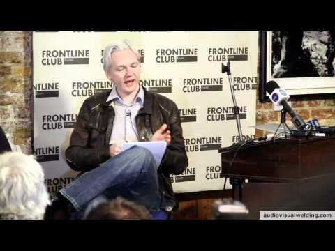 Julian Assange puts Swedish Expressen journalist straight @ The Frontline Club