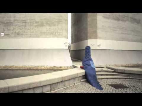 TV3 - 33 recomana - Vestir i desvestir cossos. Fenomenologies d'aparició. La Panera