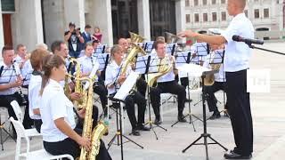 Маршем «Варяг» оркестр Тихоокеанского флота открыл «Фанфары Казани» на озере Кабан
