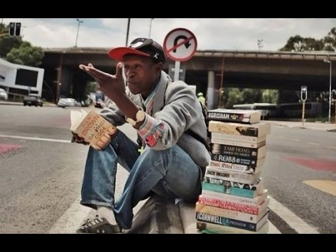 South African Homeless Man Refuses to Beg, Makes a Living by Selling Books on the Pavement