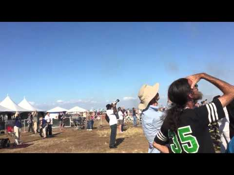 California Capital Airshow 2015 - USAF Thunderbirds Sneak Pass