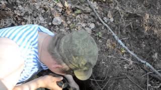 Коп по войне - каска с сюрпризом / Searching with Metal Detector