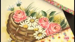 Lucimar Madeira ensina a pintar papoulas em tecidos