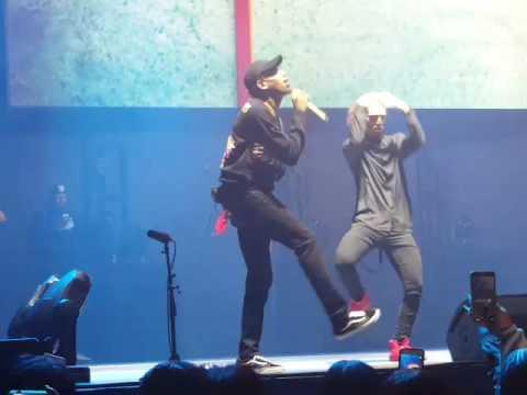 Tinmiw Tv Big Show At The Joe Chris Brown Wrist Youtube