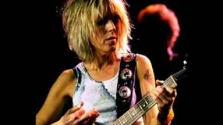 Watch Lucinda Williams Ventura video