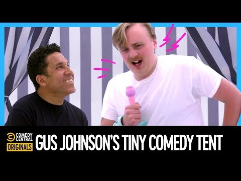 @Gus Johnson Sets Up His Own Tiny Comedy Tent At Clusterfest
