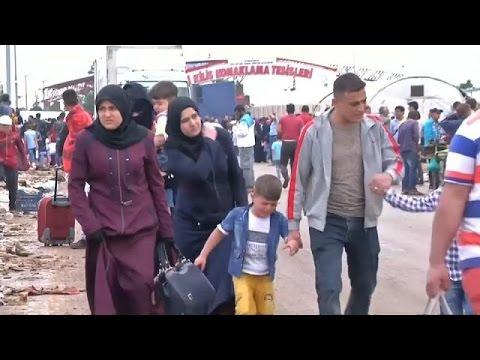 تركيا تفتح الحدود للاجئين السوريين لزيارة أهلهم في عيد الفطر  - 11:21-2017 / 6 / 26