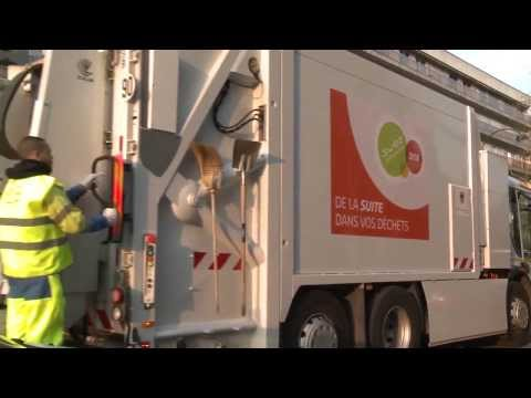 The electric waste collection truck - SUEZ
