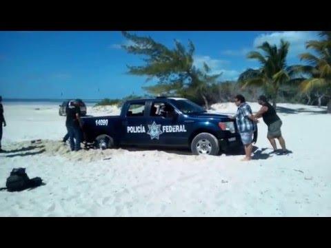 Isla Blanca ,Cancun , playa virgen
