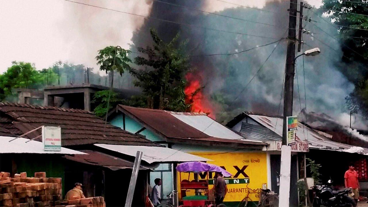 Assam's Tinsukia district rocked by 4 IED blast | Oneindia News
