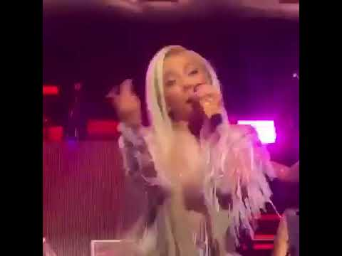 TINY TWERKS FOR T.I. WHEN CARDI B COMES ON AT XSCAPE CONCERT