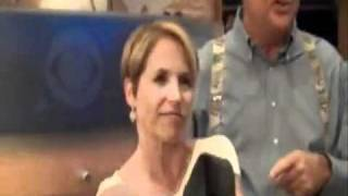 Katie Couric outflexes Me!