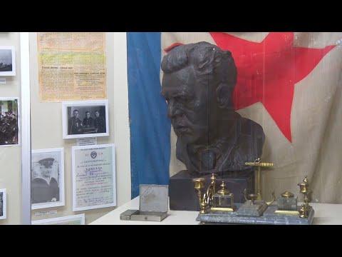 Один из главных героев обороны Туапсе - командир военно-морской базы Гавриил Жуков
