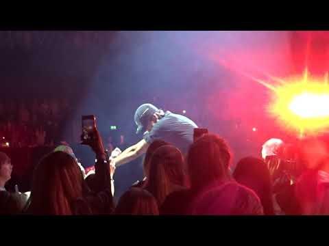 Enrique Iglesias - Bailamos live in Glasgow