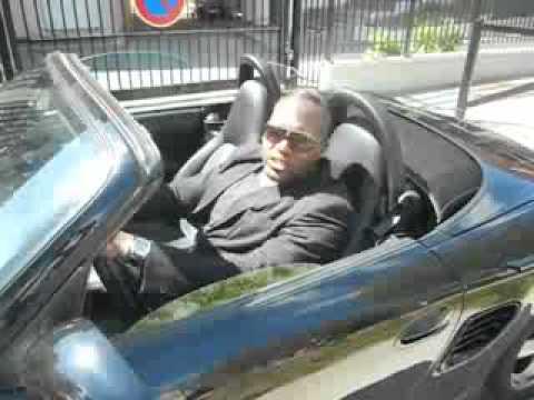 cortex vole une voiture youtube. Black Bedroom Furniture Sets. Home Design Ideas