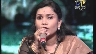 Sreenidhi singing hele kogile song from movie nammura mandara hoove in Yede tumbe haaduvenu