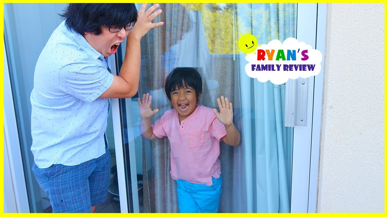 Ryan locked Daddy Out of the Room!!!