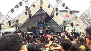 XTAB - Susah Senang Kudu Babarengan Live At SONICFAIR BANDUNG 2016