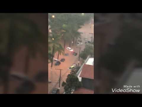 Chuva forte em Belo Horizonte deixa várias ruas alagadas