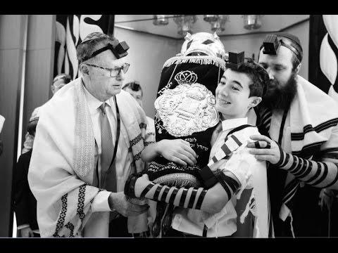 Bar Mitzvah photography: Ilan at Chabad South in Aventura, Florida. Slideshow.
