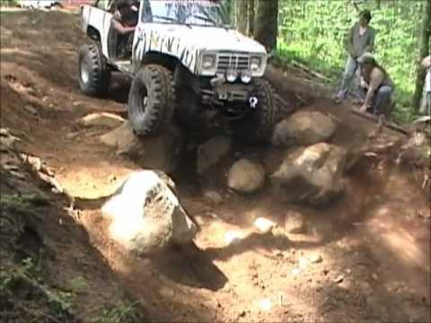 Stock rubicon vs lifted dodge.wmv