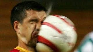 Funny football compilation لقطات مضحكة من كرة القدم
