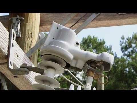 Cutout Cover Hotstick Installation - Hubbell Power Systems