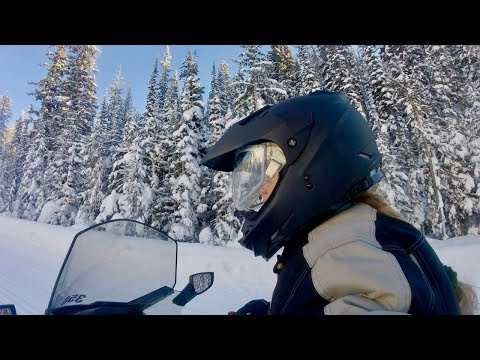 SNOWMOBILING IN YELLOWSTONE! Day 2