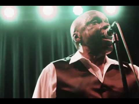 """Sonny Knight & The Lakers """"Hey Girl"""" Live"""