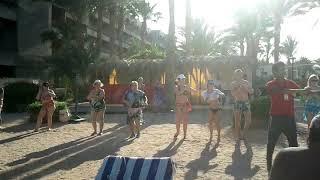 Обучение отдыхающих танцам живота в Египте на пляже. Ржачное видео. Не Ибица.