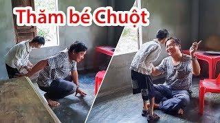 Việt kiều gửi tiền cho bé Chuột và thăm ông mệ già lượm ve chai nuôi 2 con tâm thần.