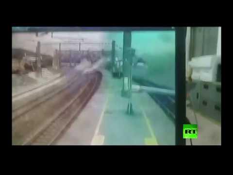 لحظة خروج قطار فائق السرعة عن مساره بتايوان  - نشر قبل 2 ساعة