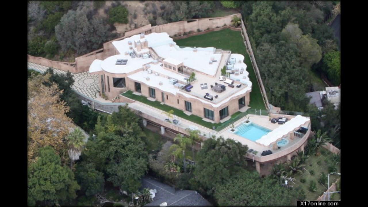 Rihanna a achet une villa en france youtube for Achete maison france