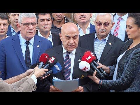İYİ Partililerden, Akşener'in evinin önünde açıklama