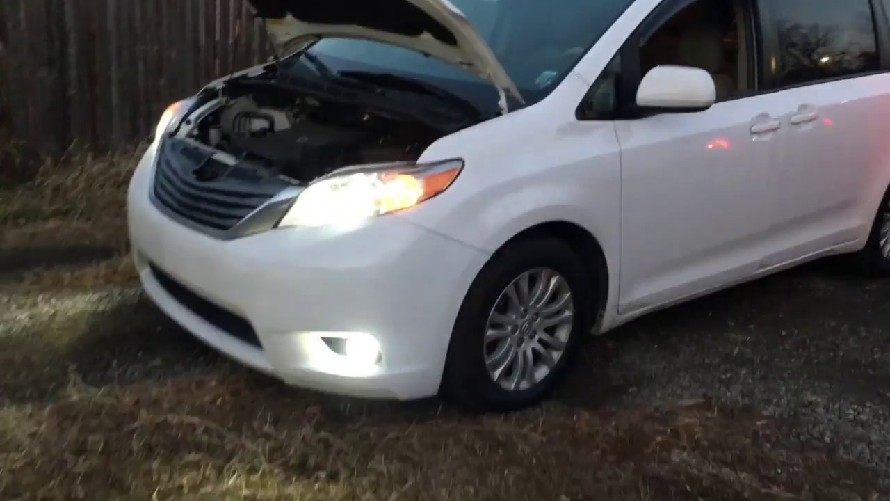 Toyota Sienna 2010-2018 Owners Manual: Window lock switch