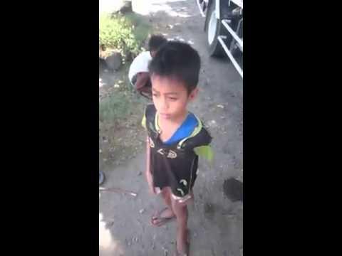 Flashlight(anak kecil suara unik)
