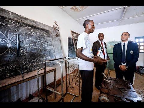 Trezeguet e UNESCO testimoni di speranza in Africa - Juventus and UNESCO offer hope to CAR youth