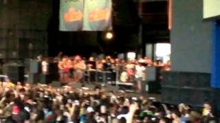 Sleeping With Sirens - Roger Rabbit [Live] Warped Tour 2013 Camden, New Jersey 7/12/13